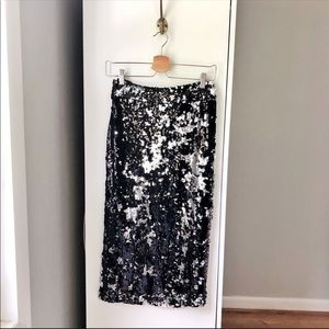 NWT Boohoo sequin black silver midi length skirt